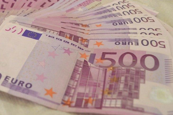 Imagen de billetes de 500 hablando de los pagos en efectivo y GestFuturo programas de gestión